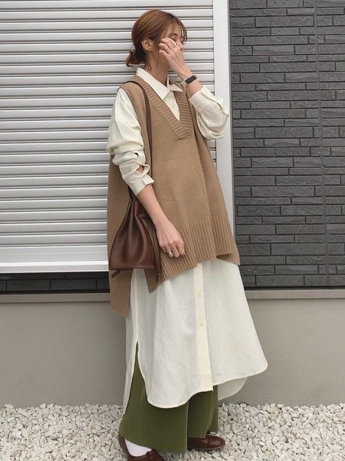 ユニクロシャツワンピース×ベストの冬コーデ