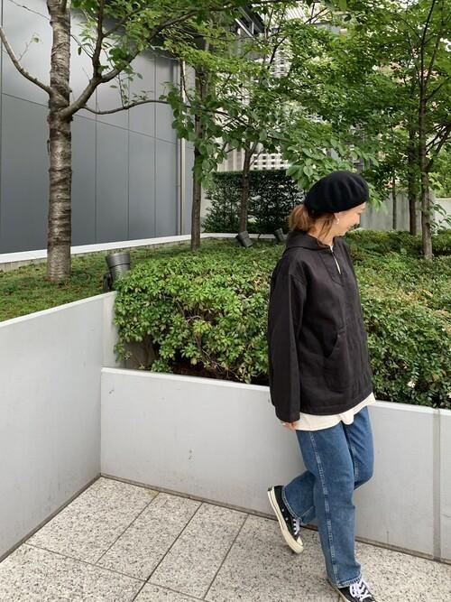 レディースの冬ベレー帽×パンツコーデ6