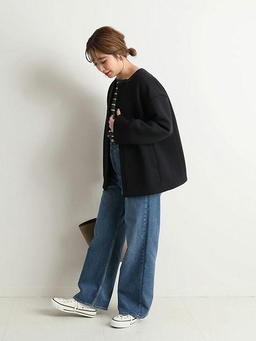 ボーダートップス×デニムパンツの服装