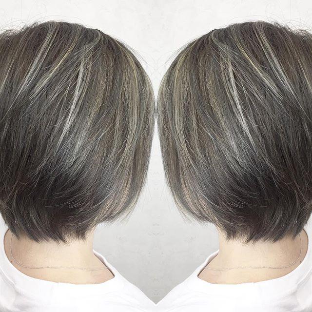 黒髪×ハイライトのスタイル《ショート》3
