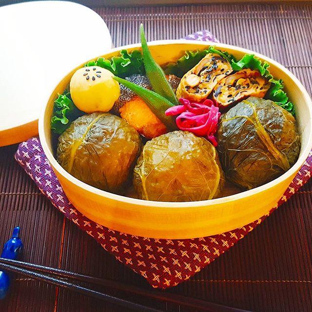 上品なお弁当。高菜の葉めはり寿司