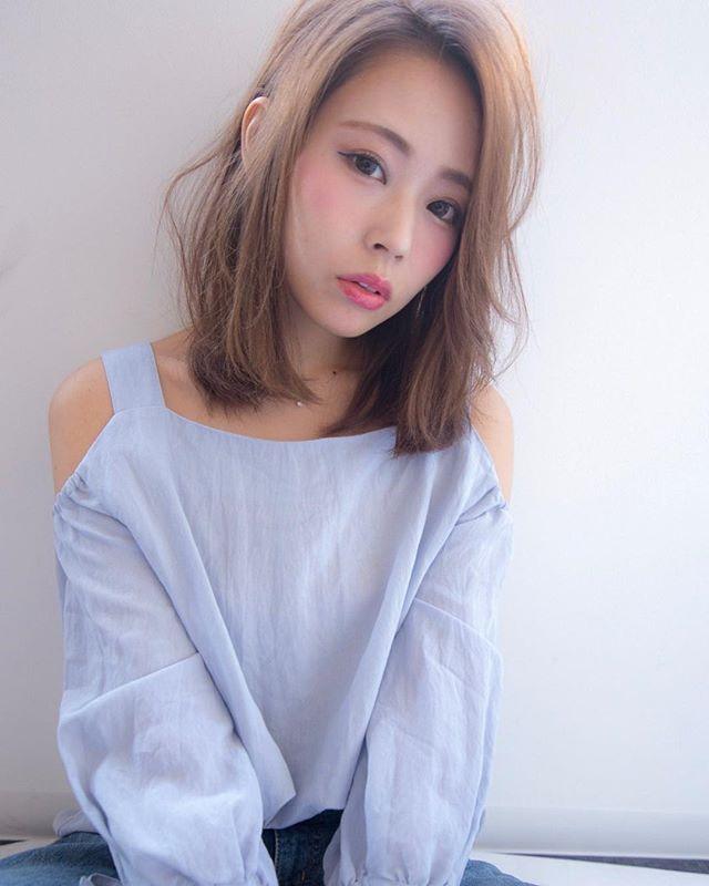 色っぽいミディアムの髪型【ストレート】3