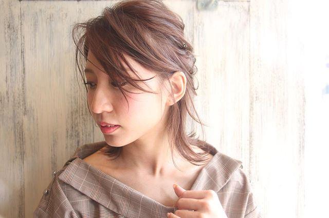 色っぽいミディアムの髪型【アレンジ】3