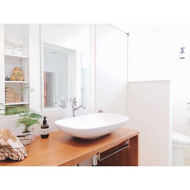 洗面台上がすっきりするブラシ収納アイデア3