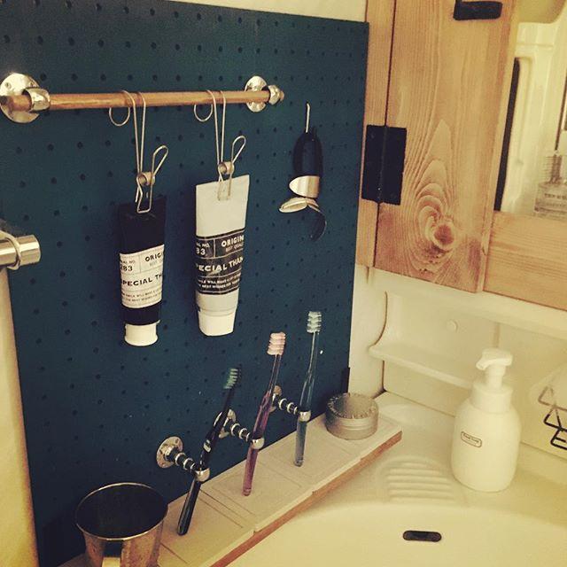 洗面台上がすっきりする歯ブラシ収納