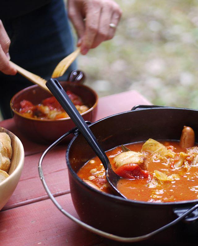 クッカーで簡単。野菜たっぷりトマト煮鍋