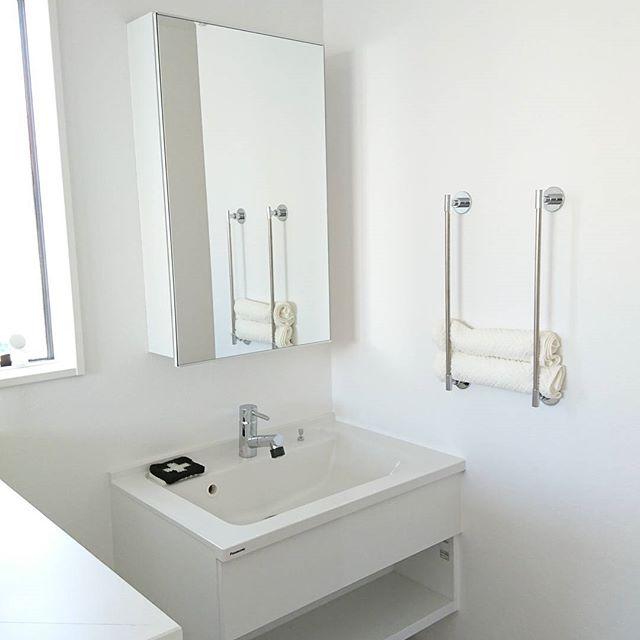 洗面台上がすっきりするタオル収納アイデア3