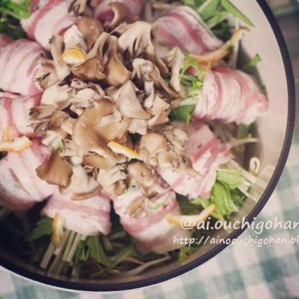 中華風の味付けに。豚バラ巻きキノコ鍋