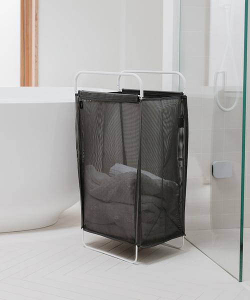 清潔に使えるスリム洗濯カゴ