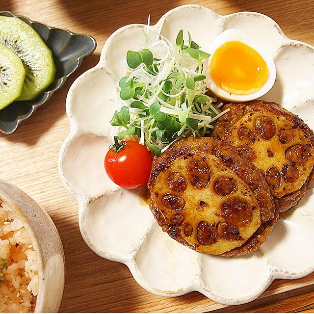 手の込んだ美味しい料理。レンコンハンバーグ