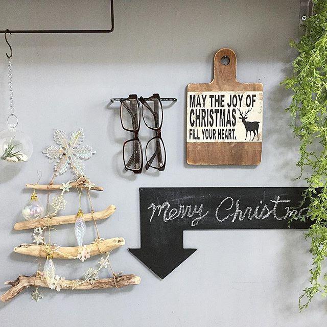 100均と流木を使って冬を飾り付け