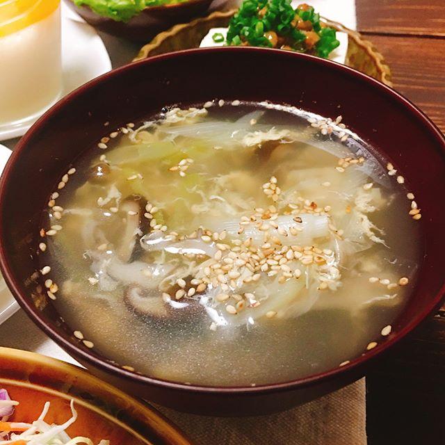 あっさりしたレシピ。キノコとネギと卵のスープ