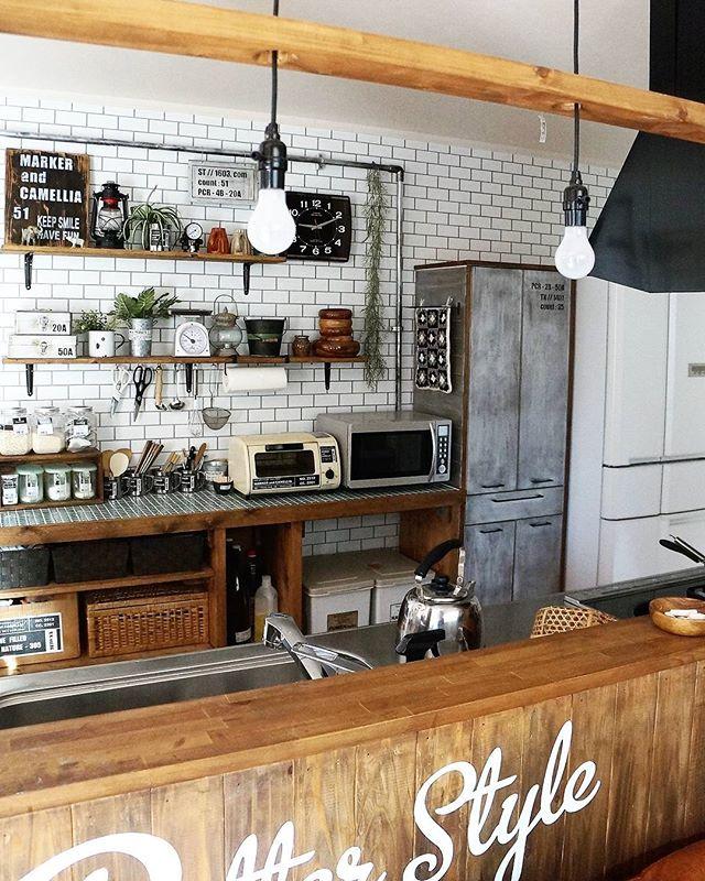壁紙から貼る簡単DIY食器棚のキッチン収納
