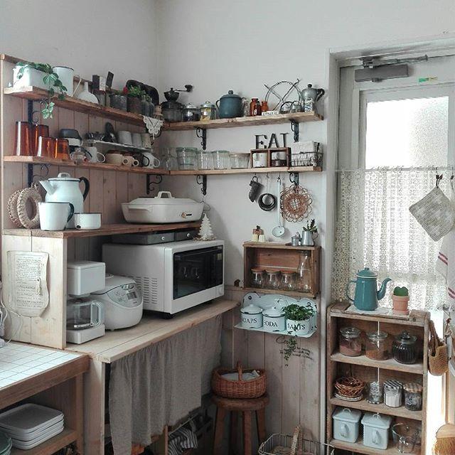 角型で便利な簡単DIY食器棚のキッチン収納