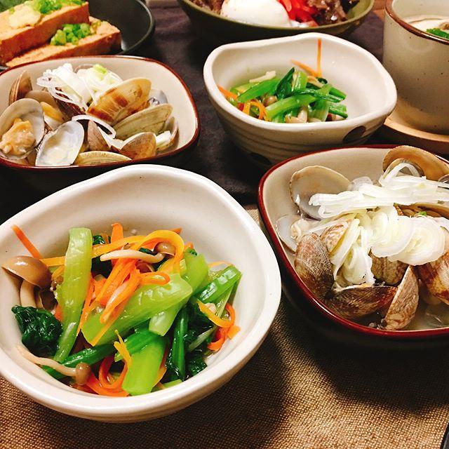 ちょっとした小鉢に。人気の小松菜のからし和え