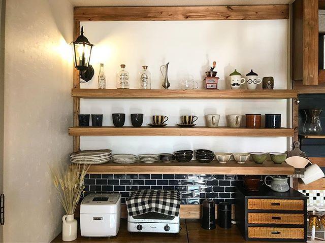 賃貸OKな壁付き簡単DIY食器棚のキッチン収納