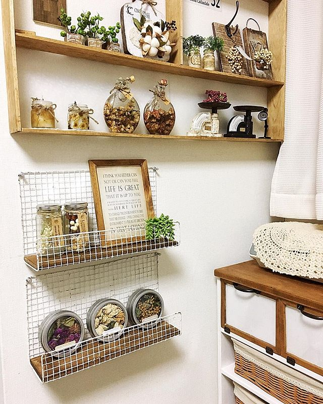 100均のワイヤーで作るおしゃれ雑貨の飾り棚