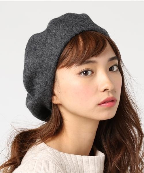 ベレー帽に似合うロングヘアアレンジ【秋冬】3