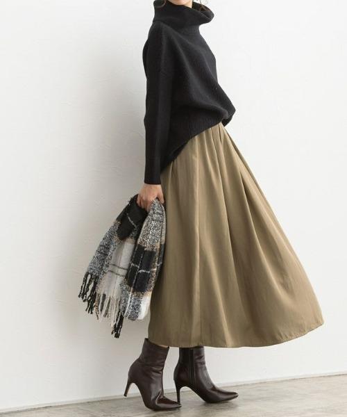 ボリュームプルオーバー×フレアスカート