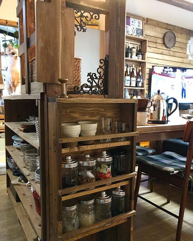 カウンター下の簡単DIY食器棚のキッチン収納