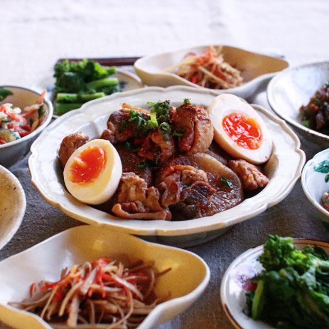 おもてなしにおすすめ。比内鶏と大根の煮物