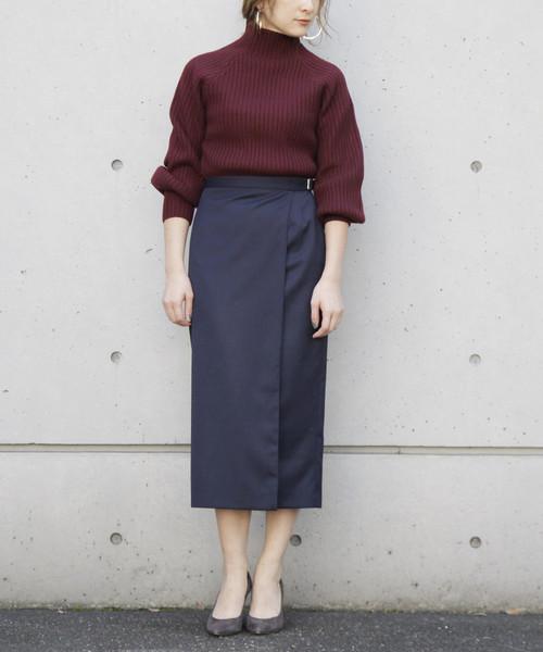 ハイネックリブ×ラップタイトスカート