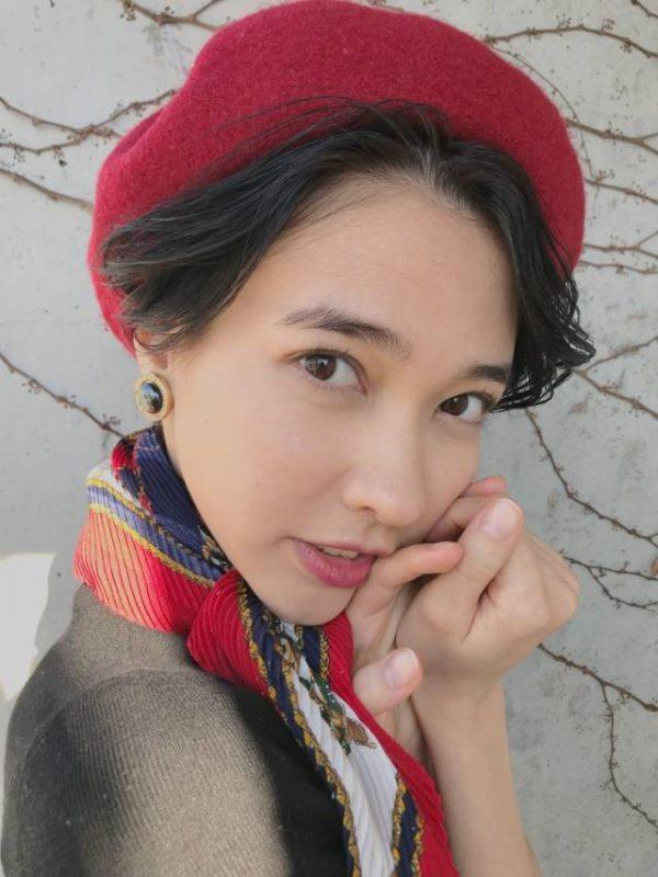ベレー帽×エアリーなショートカット