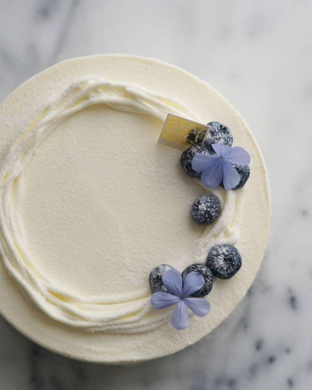 ブルーベリーの水切りヨーグルトケーキ