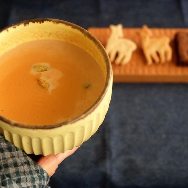 手作りの飲み物。世界的に人気のチャイ