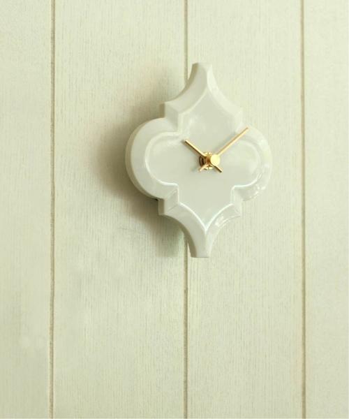 タイルを使ったおしゃれな壁掛け時計