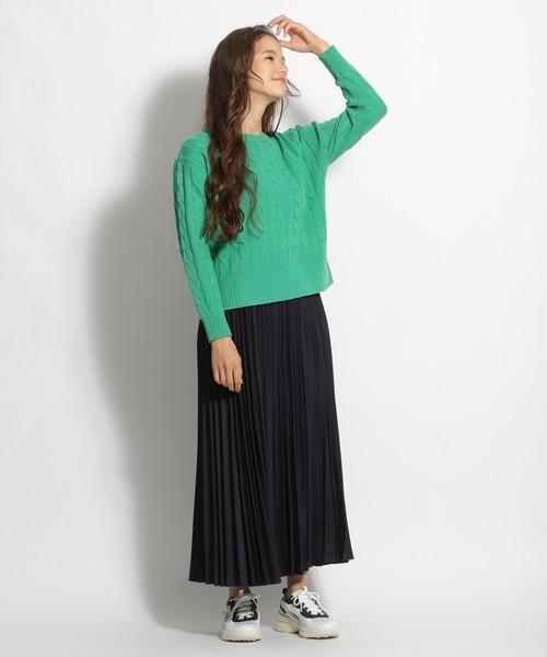 おしゃれニット×プリーツロングスカート