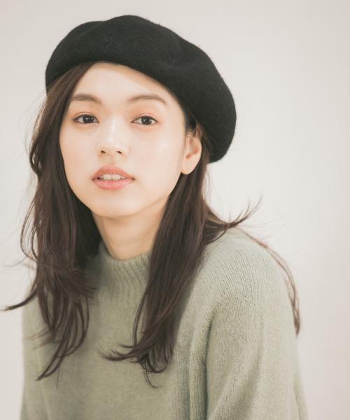 ベレー帽に似合うロングヘアアレンジ【秋冬】2