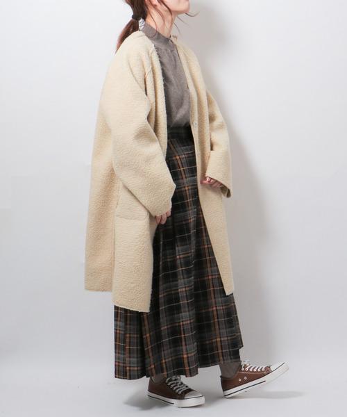 ボアリバーシブルコートの服装