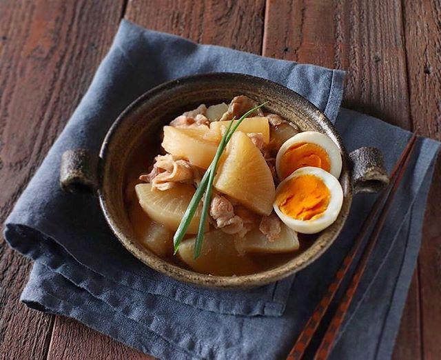 美味しい和食料理。冬は豚バラ大根