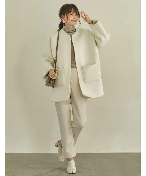 ボンディングミドルコートの服装