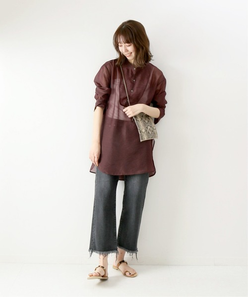 シースルーシャツ×カットオフデニムパンツ