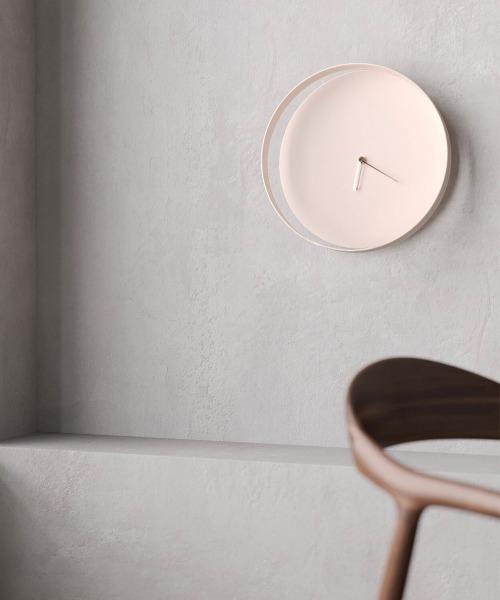 すっきりおしゃれな壁掛け時計