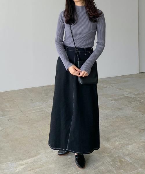 マキシデニムスカートの服装