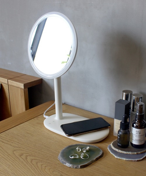 [a.depeche] 【CoCo:LO】 beauty actress MIRROR white / 女優ミラー LED付き卓上鏡 ハリウッドスタイルミラー ワイヤレス充電器