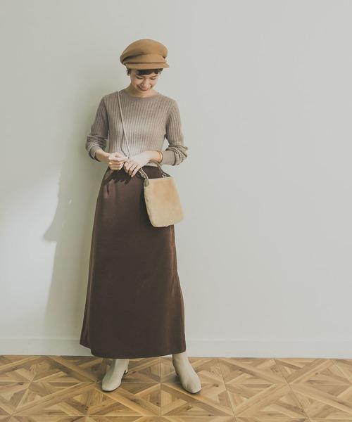 ロングAラインスカートの服装