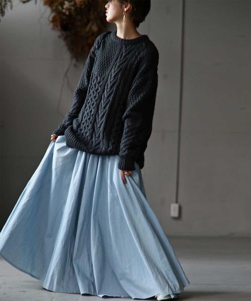 ニットプルオーバー×デニムスカート