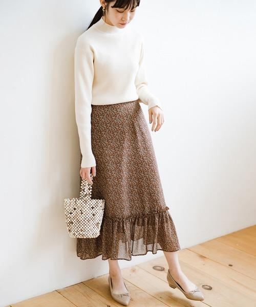 [haco!] シンプルトップスでもあっという間に華やかコーデにしてくれる!大人かわいい柄シフォンティアードスカート