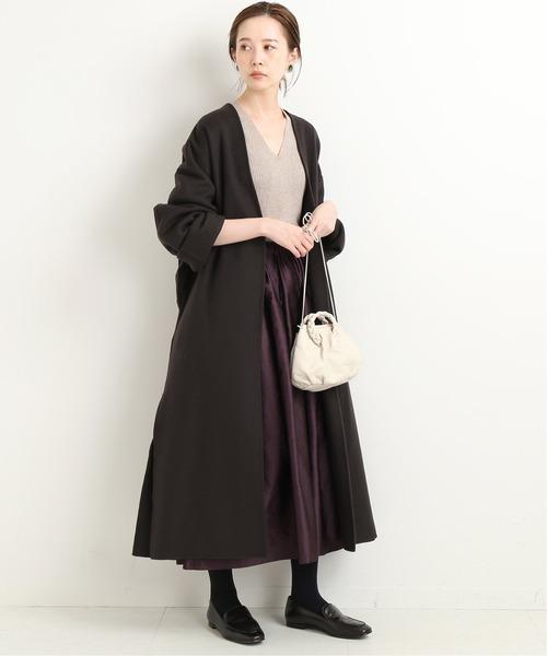 ダブルフェイスコート×スカートの服装