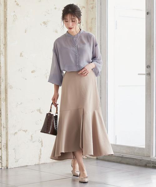 フレアスカートの服装