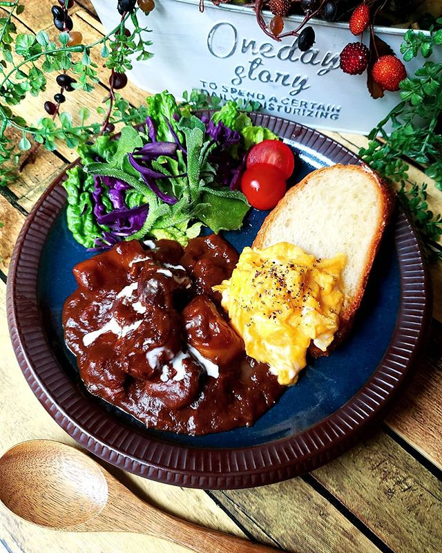 人気のレシピ。牛ほほ肉のビーフシチュー