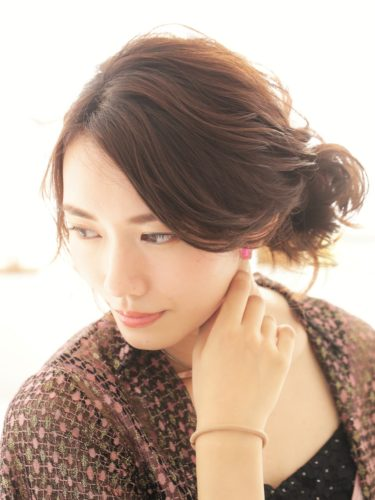 留袖に似合う50代女性の髪型《ミディアム》2