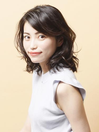 40代くせ毛×ミディアム髪型【前髪なし】9