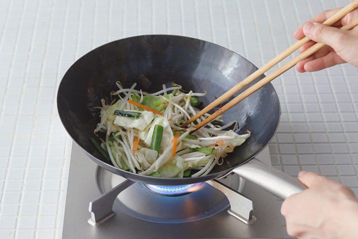 打ち出し炒め鍋