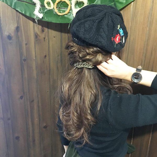 ベレー帽に似合うロングヘアアレンジ【春夏】6