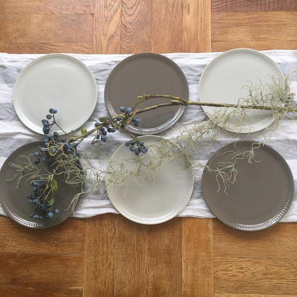 テーブルがおしゃれに決まる皿